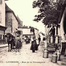LOT'refois - CPA - début XXe - Livernon - Rue de La Fromagerie