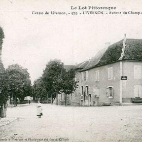 LOT'refois - CPA - début XXe - Livernon - Place de la Halle