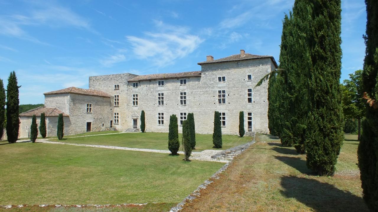 Châteaux & Fortifications - Sainte-Croix (Montcuq-en-Quercy-Blanc) - Château de Lastours -