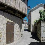 Capdenac-le-Haut. La traversée du village