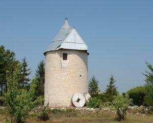 Moulin à vent - Castelnau-Montratier (Castelnau Montratier-Sainte Alauzie) - Moulin à vent désailé sans nom -