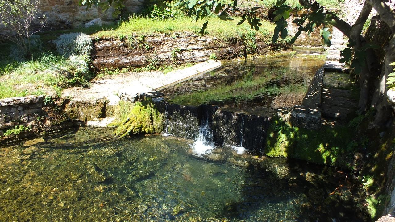 Rivières & Ruisseaux - Corn - La résurgence de la perte de Mansonnet -