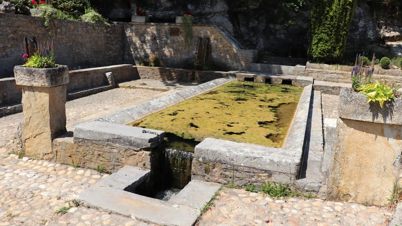 Fontaines & Puits - Nuzéjouls - La fontaine de l'Hermitage -