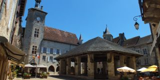 Halle du XVIIIe siècle à Martel dans le Lot